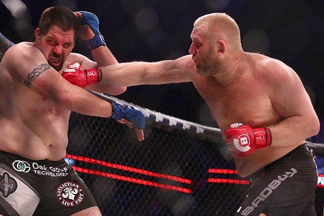 Сергей Харитонов нокаутировал Гормли, а Лаваль побил Джексона в турнире Bellator 175