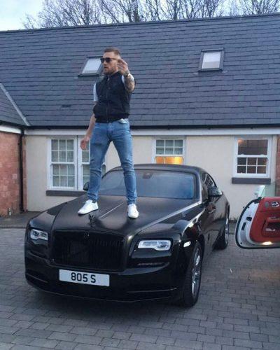 Макгрегора могут оштрафовать за то, что он стоял на арендованном автомобиле