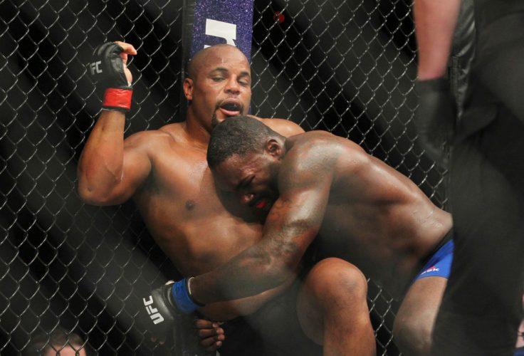 Смешанные единоборства UFC 210 Даниэль Кормье - Энтони Джонсон