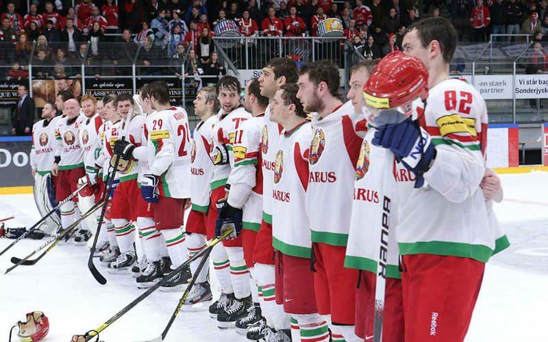 Лукашенко сказал, что игра сборной Белоруссии на ЧМ была отвратительна