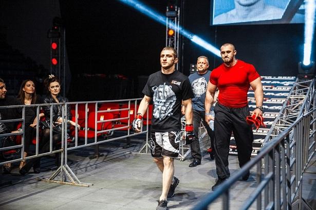 Российский боец MMA доставлен в реанимацию в день поединка за титул чемпиона мира