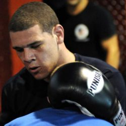 Боец MMA Аарон Рэджман застрелен у себя дома